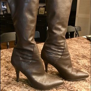 Nine West size 8M knee boots.
